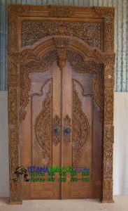 Pintu Gapuro Tanpa Kupingan, istana gebyok, istana gebyok jepara